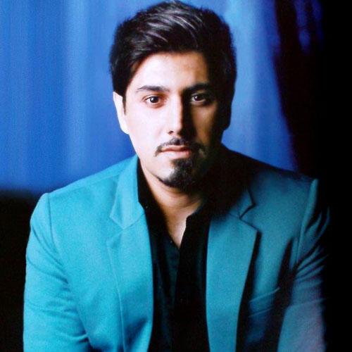 http://dl.teh-music.co/Pic2/Ehsan%20Khaje%20Amiri%20-%20Khaterat.jpg